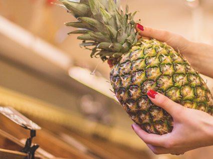 Saiba como escolher ananás (e mais duas deliciosas receitas onde usá-lo)