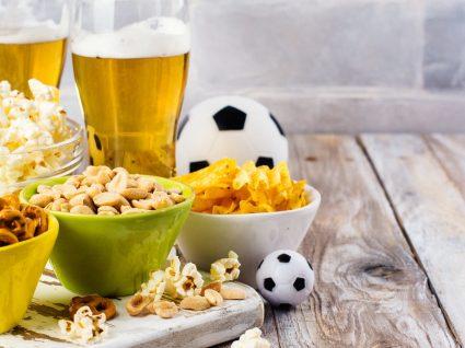 8 petiscos saudáveis para acompanhar o futebol com muito sabor