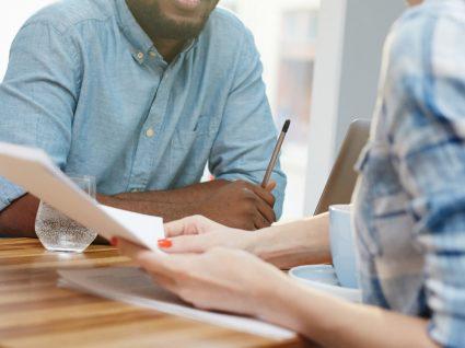 Medida de incentivo à aceitação de ofertas de emprego