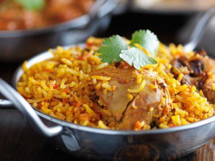 5 receitas de arroz de frango que não vai querer perder por nada!