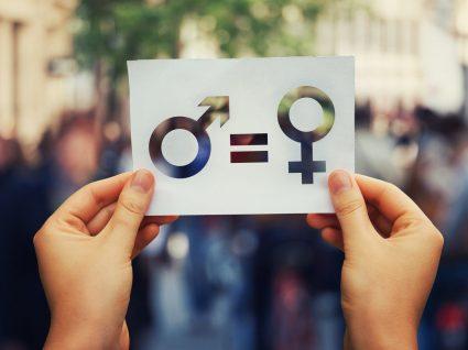 Greve Feminista contra a discriminação das mulheres