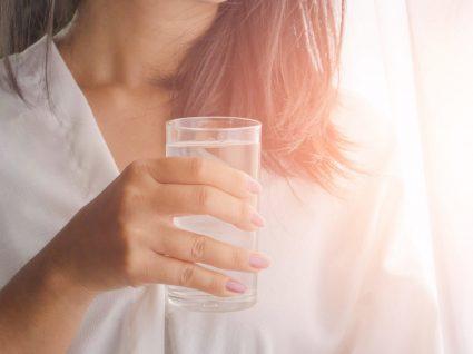 7 boas razões para beber água em jejum