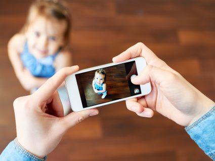Publicar fotografias dos filhos nas redes sociais: sim ou não?