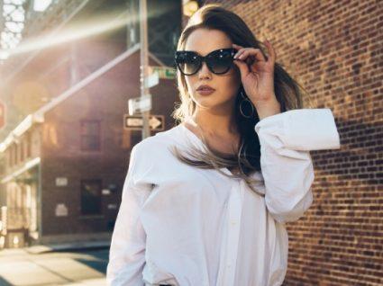 Inspiração fashion. Saiba como usar a camisa branca de 10 formas diferentes!