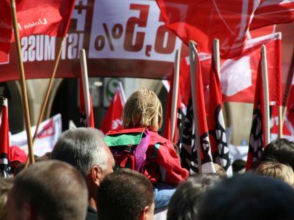 Direito à greve: quais são os limites ao seu exercício?