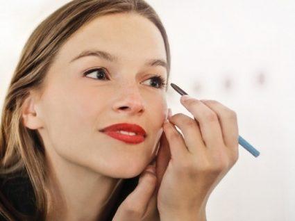 Eyeliner branco: saiba como usar e arrasar na maquilhagem