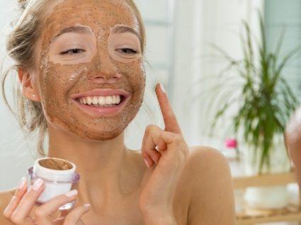 Descubra tudo o que sempre quis saber sobre a esfoliação da pele