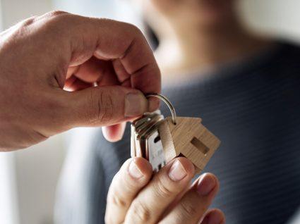 Quero vender a minha casa. Quem paga a escritura?