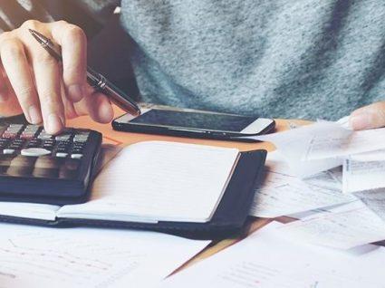 Faturas com lares devem ser passadas em nome de quem paga a despesa