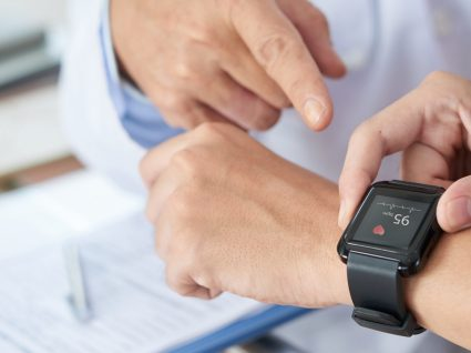 Universidade de Stanford confirma: Apple Watch deteta problemas cardíacos