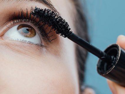 Infarmed manda retirar cosmético para pestanas Neon Eye Mascara