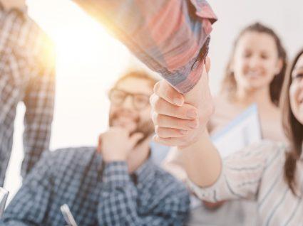 Manual de Acolhimento: como criar um guia para novos colaboradores