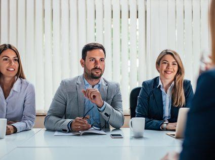 O que fazer depois da entrevista de emprego: 8 passos a seguir