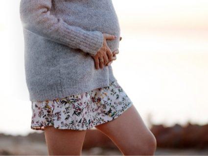 Alerta grávidas: os 8 melhores looks com saia para se inspirar
