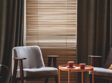 Estores ou cortinas: dicas e ideias que vão ajudar a sua escolha