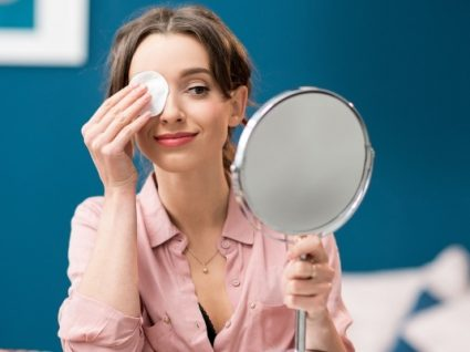 6 produtos que salvam a pele após uma má noite de sono