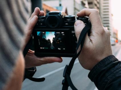 O que usar nas férias: câmara fotográfica ou smartphone?
