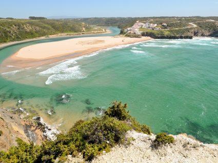Desvendamos o segredo das 15 melhores praias secretas do Algarve