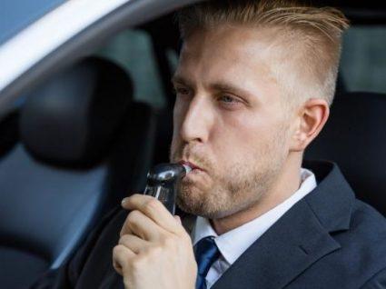 Fim dos testes de balão ao álcool: carros vão ter alcoolímetro