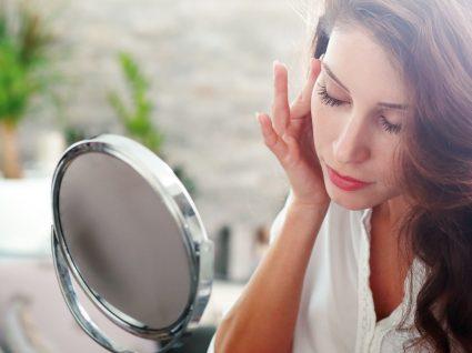 5 erros de maquilhagem que a farão parecer mais velha