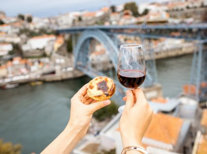 Os melhores terraços no Porto: 6 sugestões para uma tarde de Verão