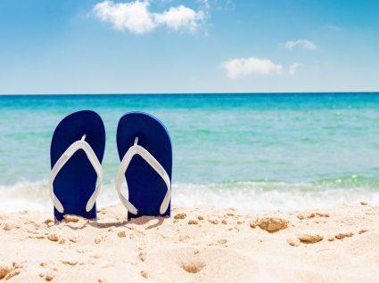 Chinelos de praia para homem: os 5 melhores para este verão!
