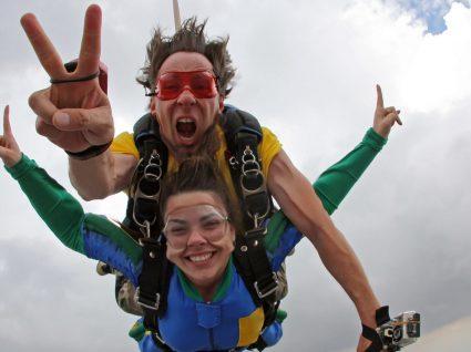 Atire-se sem medos. Saltos de paraquedas por todo o país