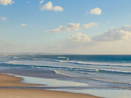 30 graus! Descubra a praia com as águas mais quentes do país