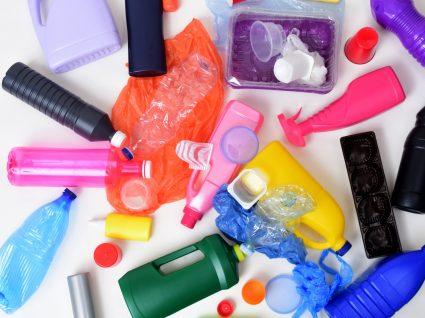 10 produtos de plástico que deve deixar de usar imediatamente