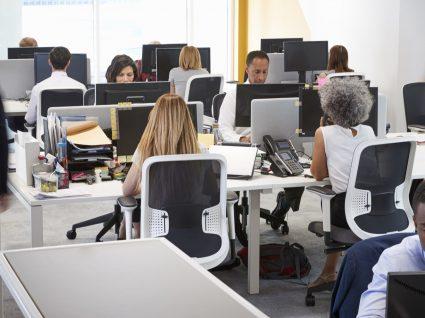 7 temas que não deve debater no trabalho