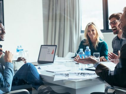 5 primeiros minutos de uma reunião: como agir e cativar a equipa