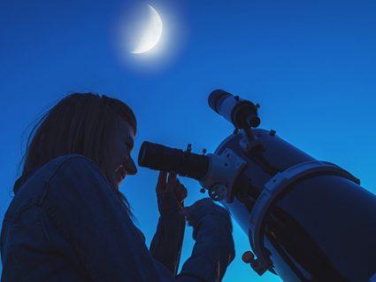 Há visitas mensais gratuitas para quem quiser ver a lua e estrelas