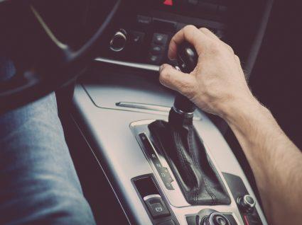 Afinal conduzir em ponto morto gasta mais ou menos combustível?