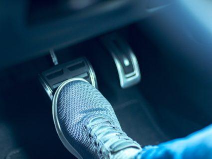 Aprenda como travar o carro e a evitar acidentes