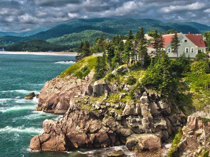 Ilha no Canadá dá terreno e emprego a quem for viver para lá