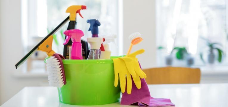 aprenda como limpar o bolor das paredes
