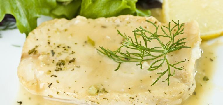 filetes de pescada com natas
