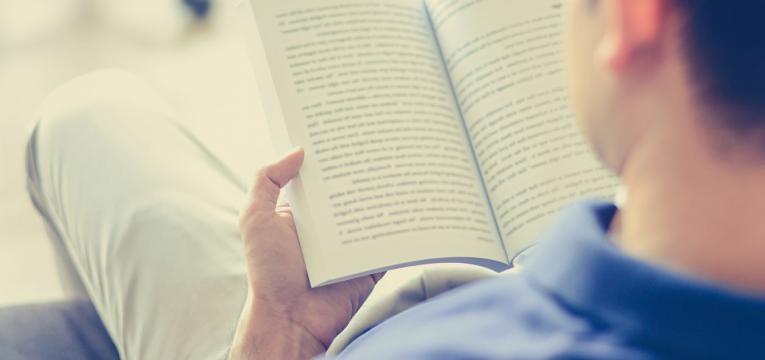 ler para passar tempos livres mais baratos