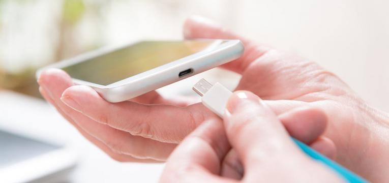 mitos sobre as baterias dos smartphones