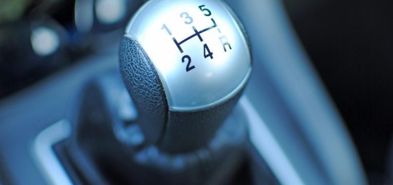 mudar óleo da caixa de velocidades