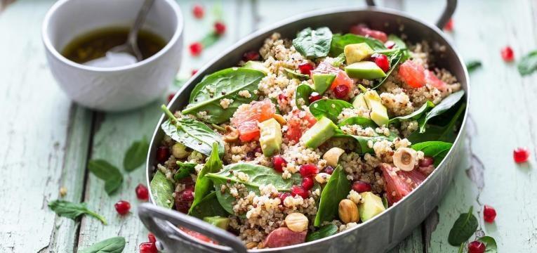 salada quinoa verao