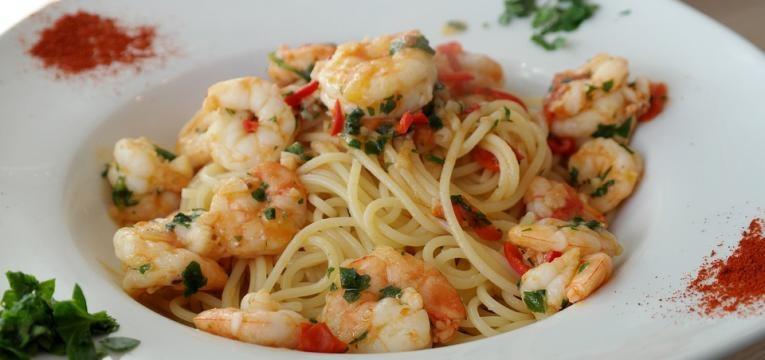 massa de camarão à italiana