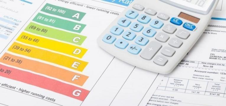 OE2019: Fatura da eletricidade e do gás terá redução inferior a 2 euros