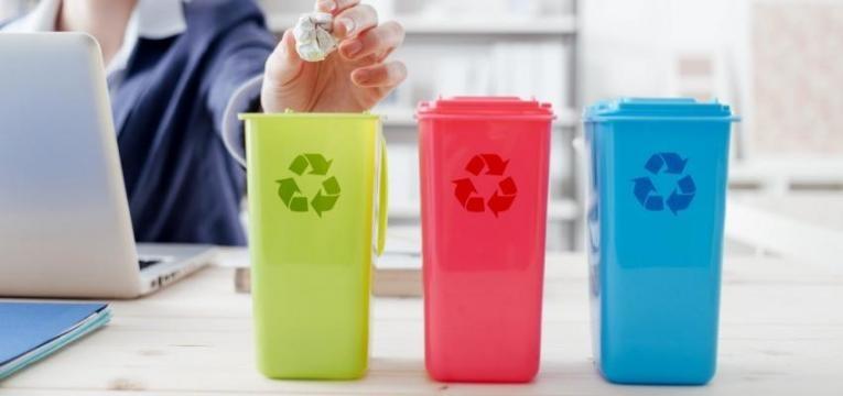 PE quer proibir venda de produtos de plástico de utilização única na UE