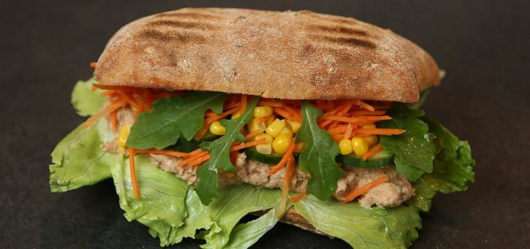 sanduiche de pasta de ricota e cenoura