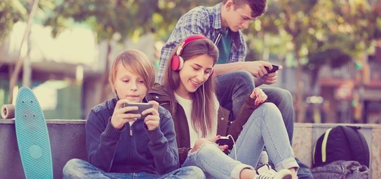 ensinar adolescentes a poupar