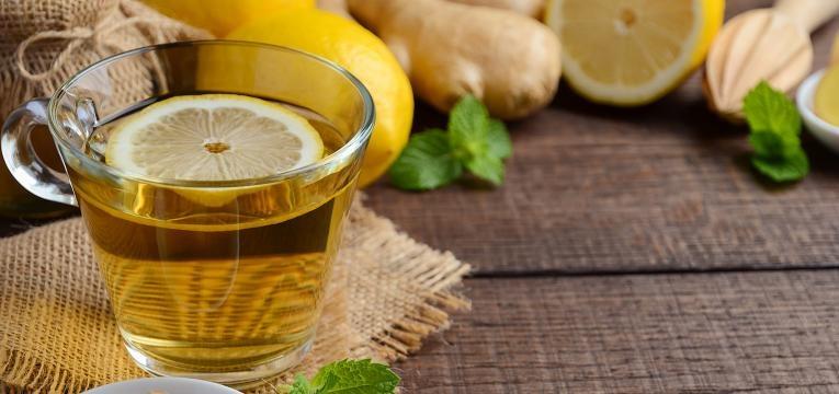 o chá de limão é um bom chá para a tosse