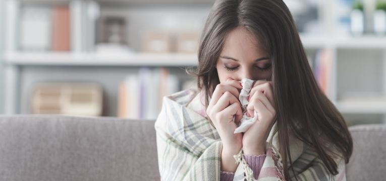 doença aguda viral que afeta as vias respiratórias