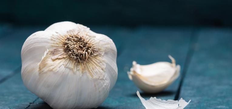 o alho faz parte da alimentação para fortalecer o sistema imunitário