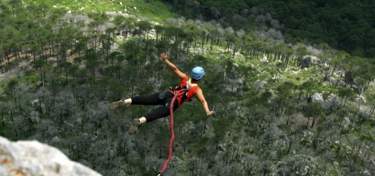 saltar bungee jumping
